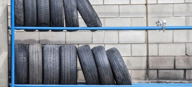 pneumatiky na stojane