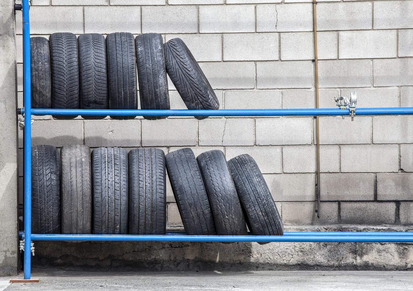 Najlacnejšie pneumatiky: Na čo si dať pri výbere pozor?