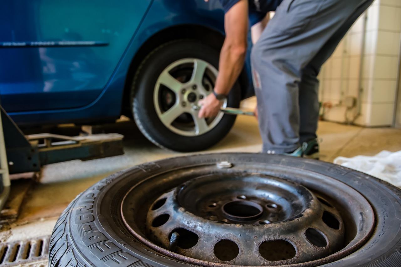 Prezúvate si pneumatiky sami? Toto všetko sa môže pokaziť