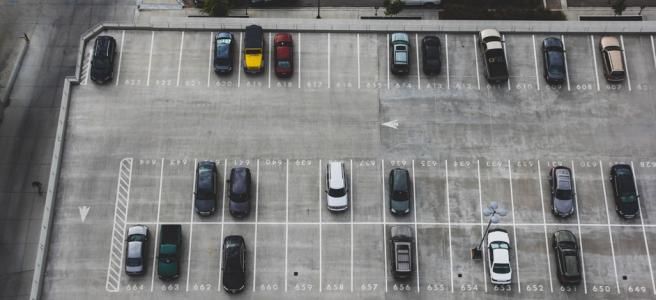 Parkovanie, alebo ako si nezničiť pneumatiky dvakrát rýchlejšie
