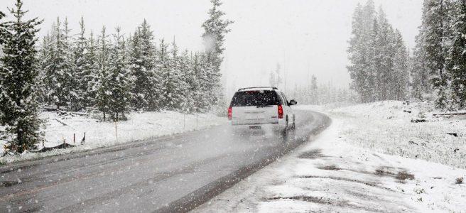 Letné, zimné, alebo celoročné? Takto jazdia Slováci